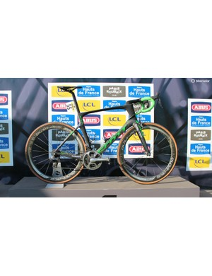 Hayman's Foil is remarkable for its likeness to a standard road race bike