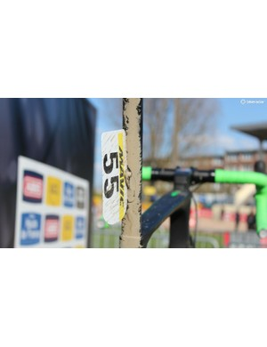 Without a traditional brake bridge, Orica has to get creative with number mounting