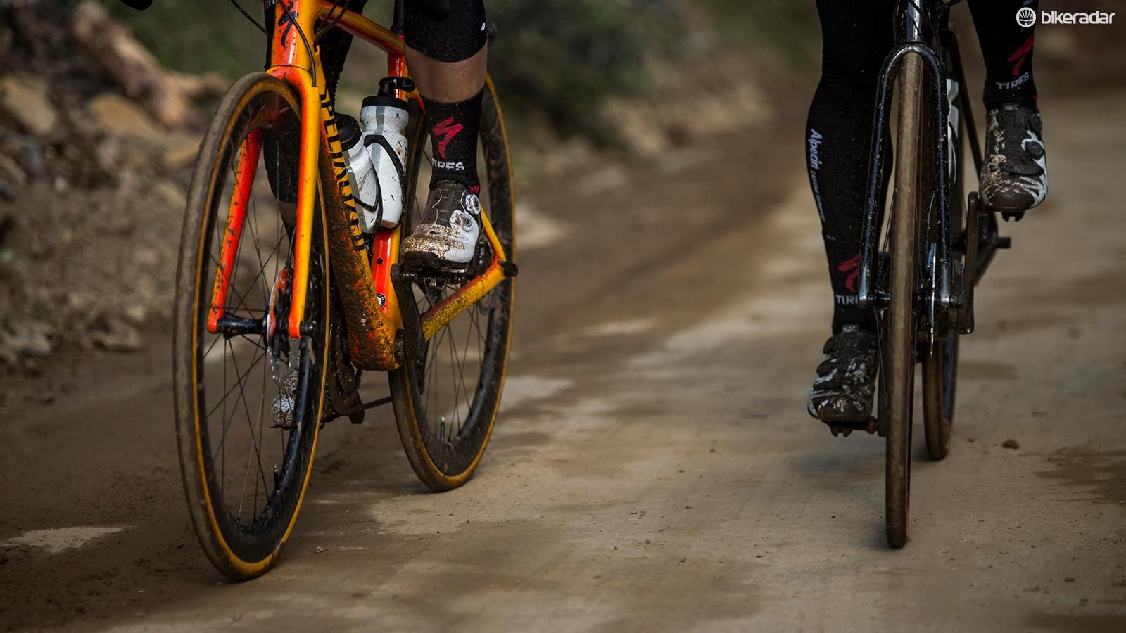 We tested the new CLX 50 Disc against the shallower CLX 32 Disc to get a better impression of Roval's mid-depth wheelset