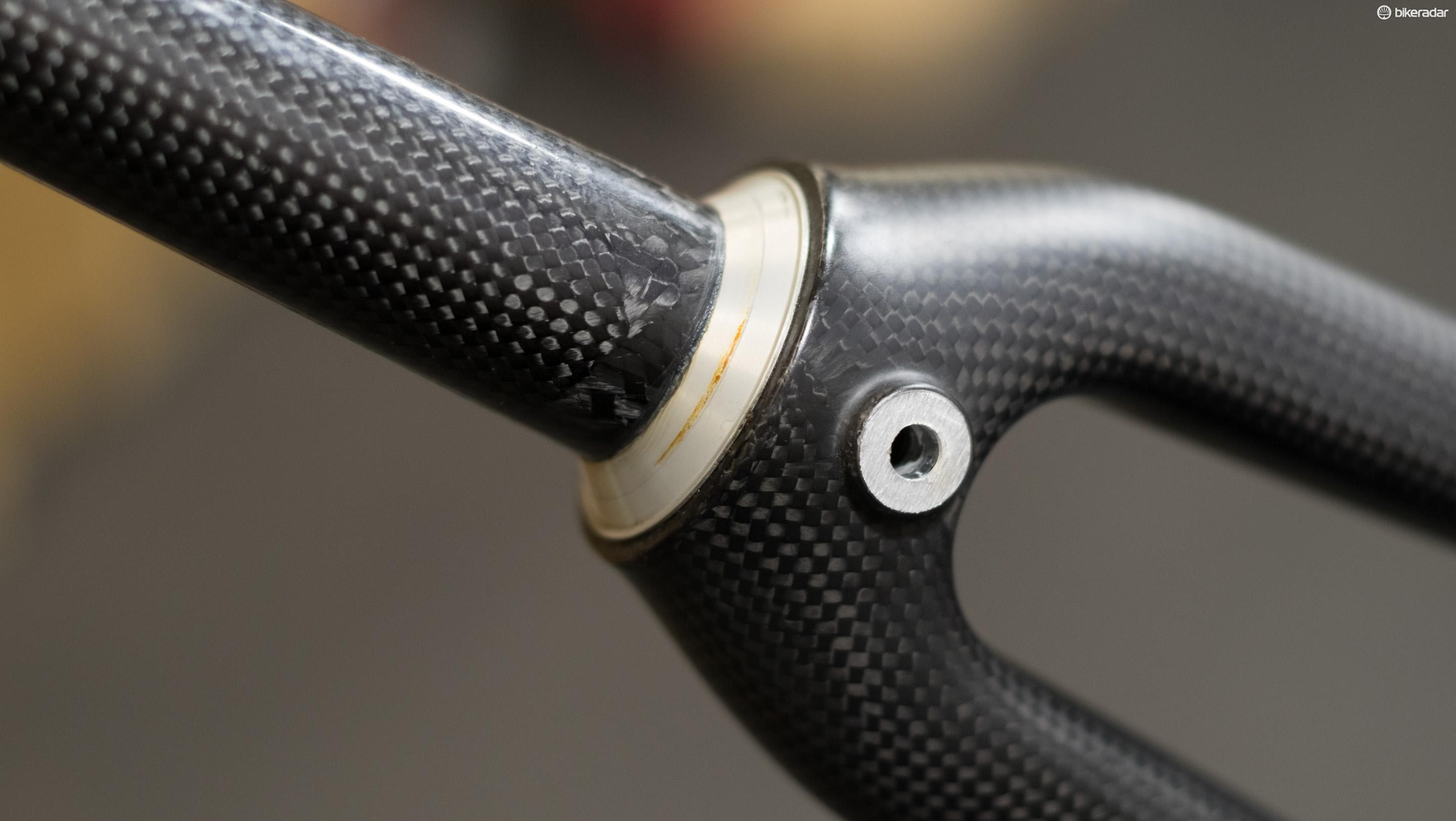 An integrated crown race (this one isn't removable) interfaces directly with the headset bearings