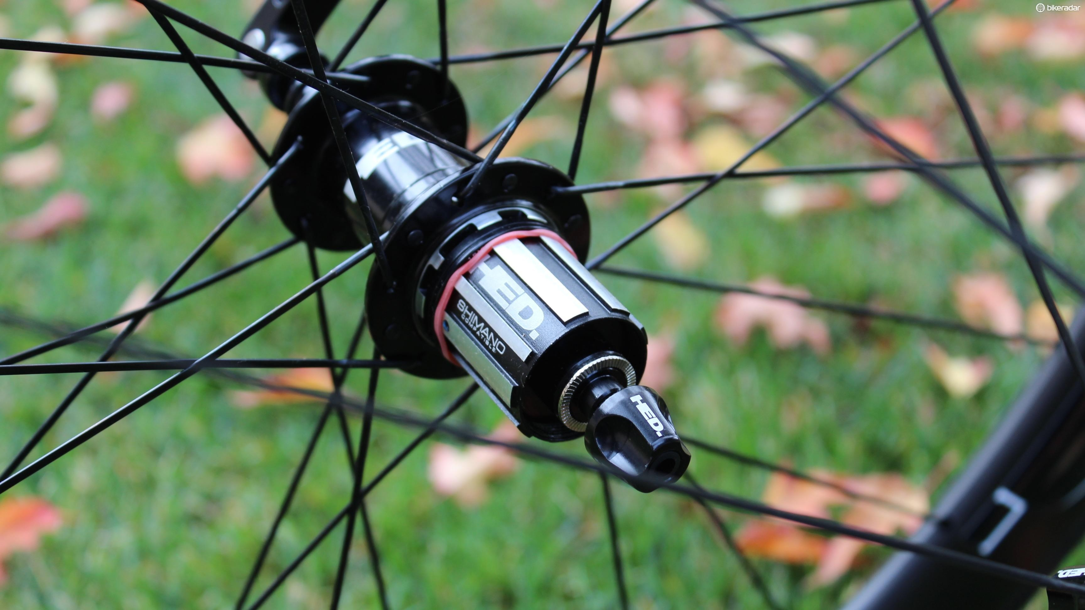 Sonic Black hubs use oversize axles and wide flanges
