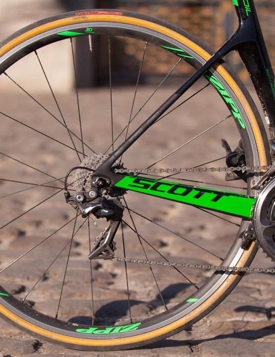 We had the 28mm clinchers on a Scott Foil RC for a week in Belgium and France
