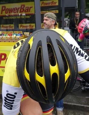 The matte black and gloss yellow finish matched Lotte-Jumbo's kits well