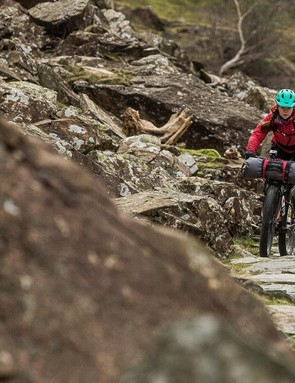 The 27.5+ tyres are extremely effective at handling rough trails, even when heavily laden