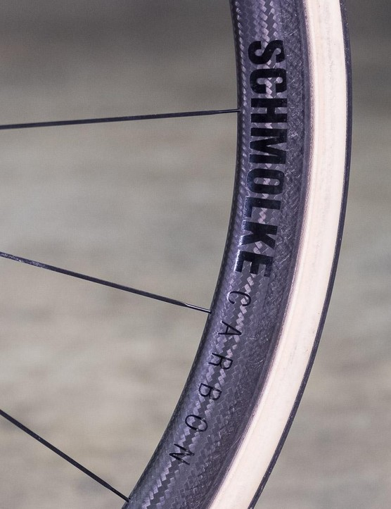 Schmolke's TLO tubular wheelset contributes just 940g to the build