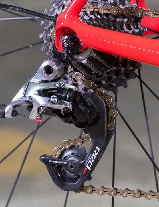 Shimano's battery-powered groupsets still come in a touch heavier than the SRAM Red cable group Joe chose