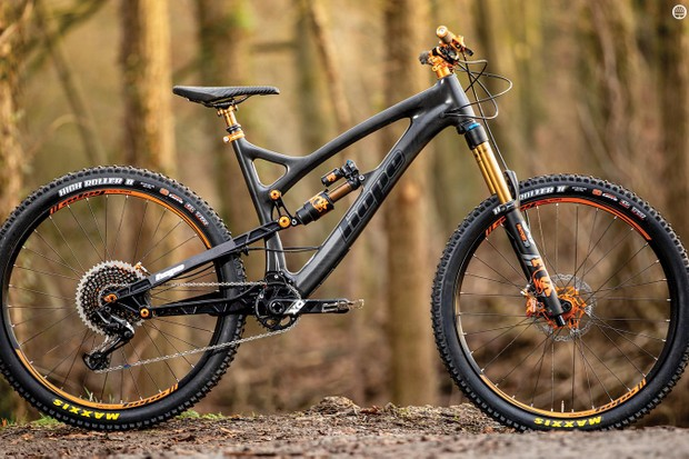 The meticulously handmade frame and custom components mean bikes don't get more 'factory' than Hope's HB.160