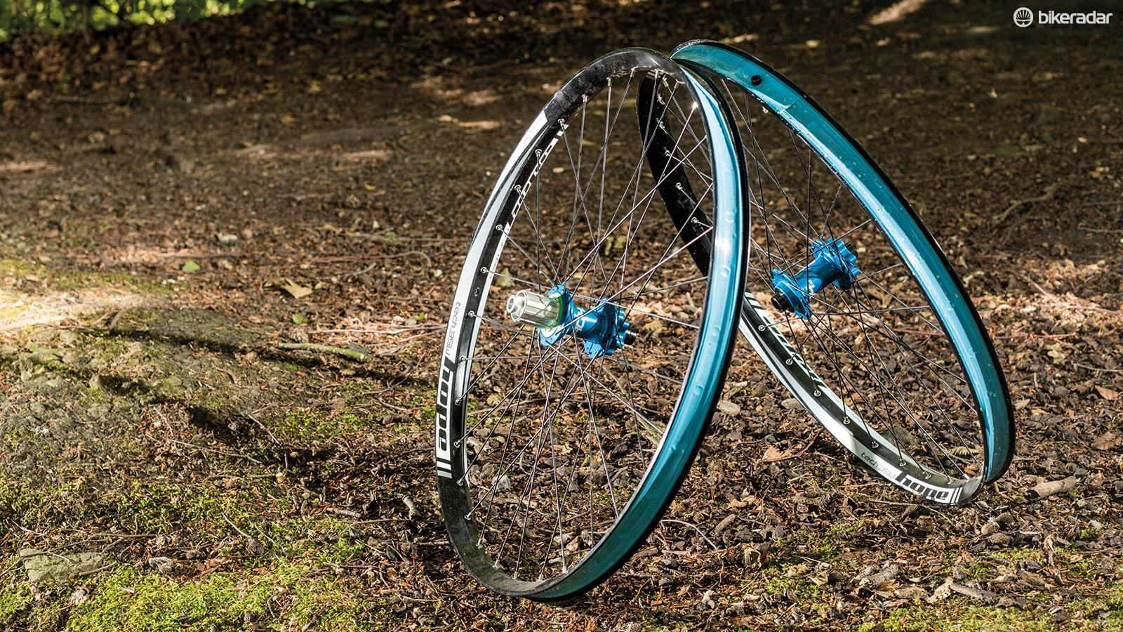 Hope's Tech 35W-Pro 4 wheelset