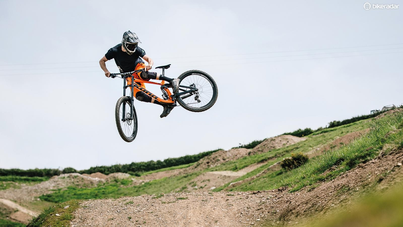 How to whip a mountain bike