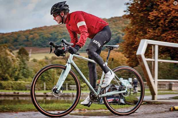 Mix up your rides, fuelled and unfuelled, to maximise weight loss
