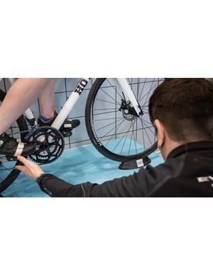 The setback of the saddle is determined using KOPS - Knee Over Pedal Spindle