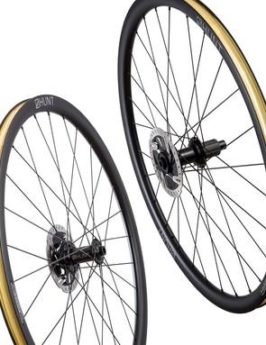 The new Hunt 30 Carbon Dynamo Disc wheelset