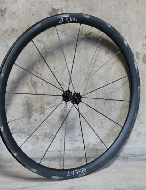The complete wheelset weighs in at a sprightly 1,290 grams