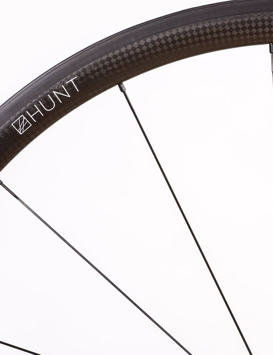 The new Hunt Hill Climb SL Tubular wheelset weighs under 1kg
