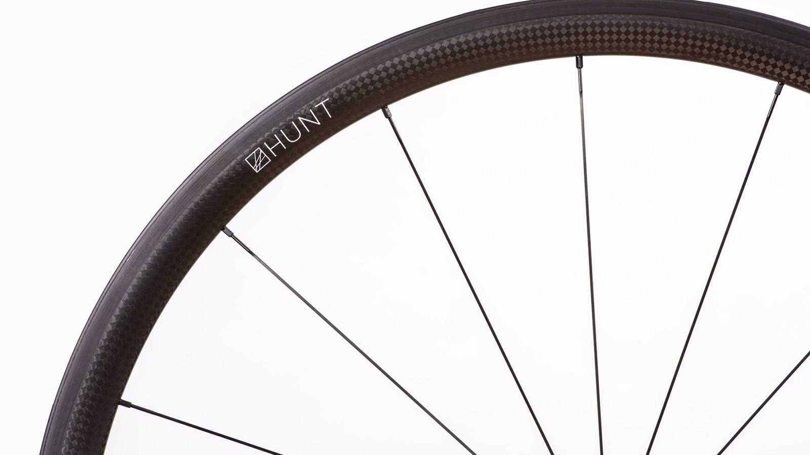 The new Hunt Hill Climb SL Tubular wheelset weighs under 1kg