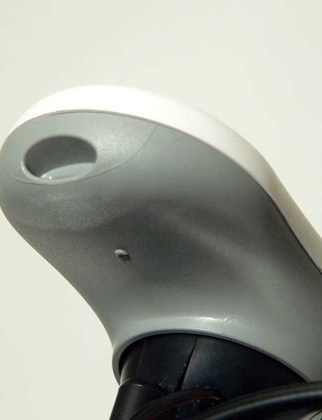 The pressure port at the front edge of the iBike Aero is one of the key elements responsible for making the calculations.