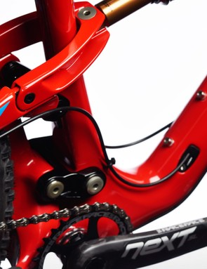 The Mojo 3 shares a similar fifth generation DW-Link suspension design with its Mojo HD3 big brother