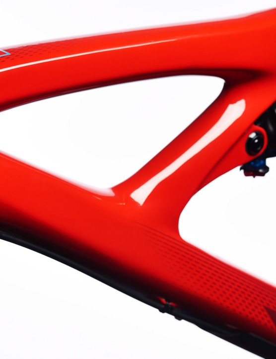 The new Mojo 3 certainly continues the Mojo Carbon's aesthetic