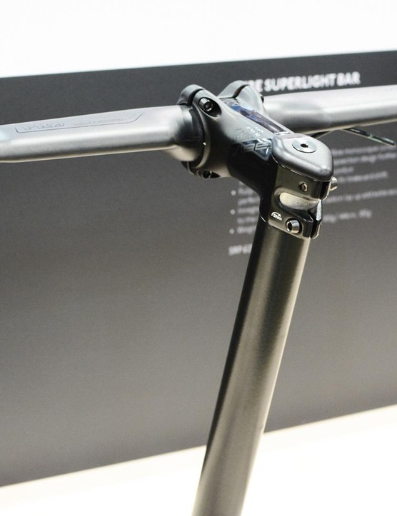 The PRO Vibe Superlight Aero bar weighs a claimed 205g in 42cm and costs £329.99