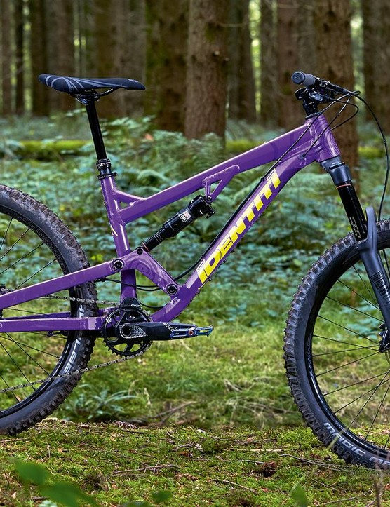 The Mettle frame will handle everything you can throw at it and has a well-balanced suspension feel