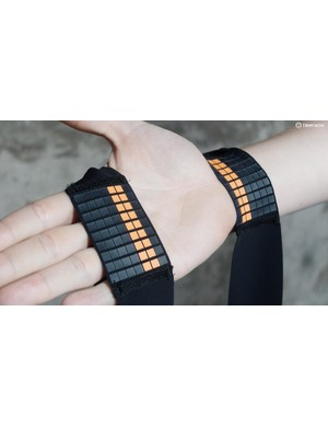 Silicone grippers on the shoulder contact point of the bib straps help to keep the straps secure