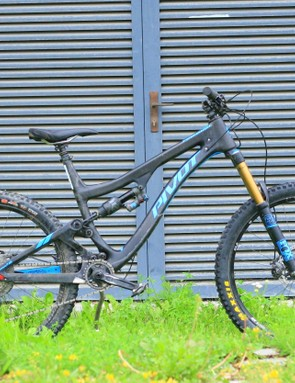 Pivot's 170mm Firebird is a long-travel slugger, more than suited to gnarly enduro tracks