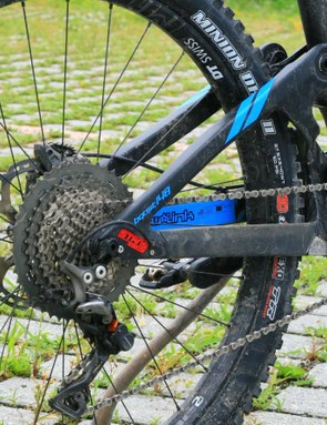 A mixed Shimano / Race Face drivetrain caused no issues during my test