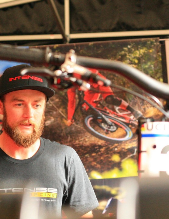 Chappie talks through Jack's set up with BikeRadar's Seb Stott, just before the prototype 29er was announced