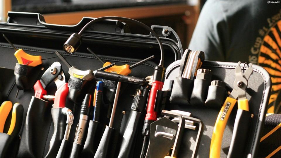 World Cup mechanics: what's in the tool box? - BikeRadar