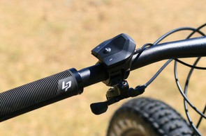 The on-bar controller doesn't have as defined clicks as its Japanese competitor Shimano's controller