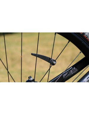 A new magnet mount, developed by Lapierre, prevents the magnet twisting on the spokes, which can induce an error in the system