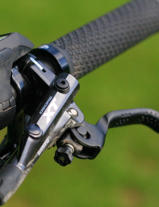 Shimano XT brake levers have a comfortable lever shape, as well as reach adjustment