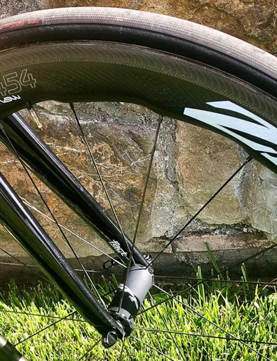 The team runs Zipp 454 NSW wheels with biomimicry technology