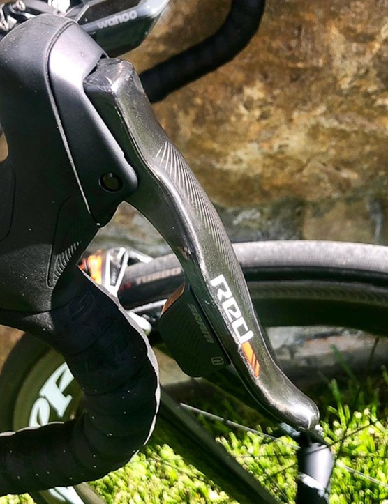 A closer look at the SRAM Red eTap levers
