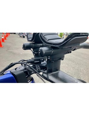 A clever use of a Di2 junction strap to wrangle the Di2 wires