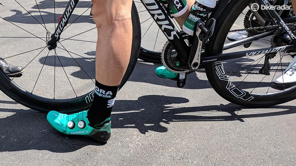The heel cup on the shoe seems to be lower than the one on the S-Works 6 model