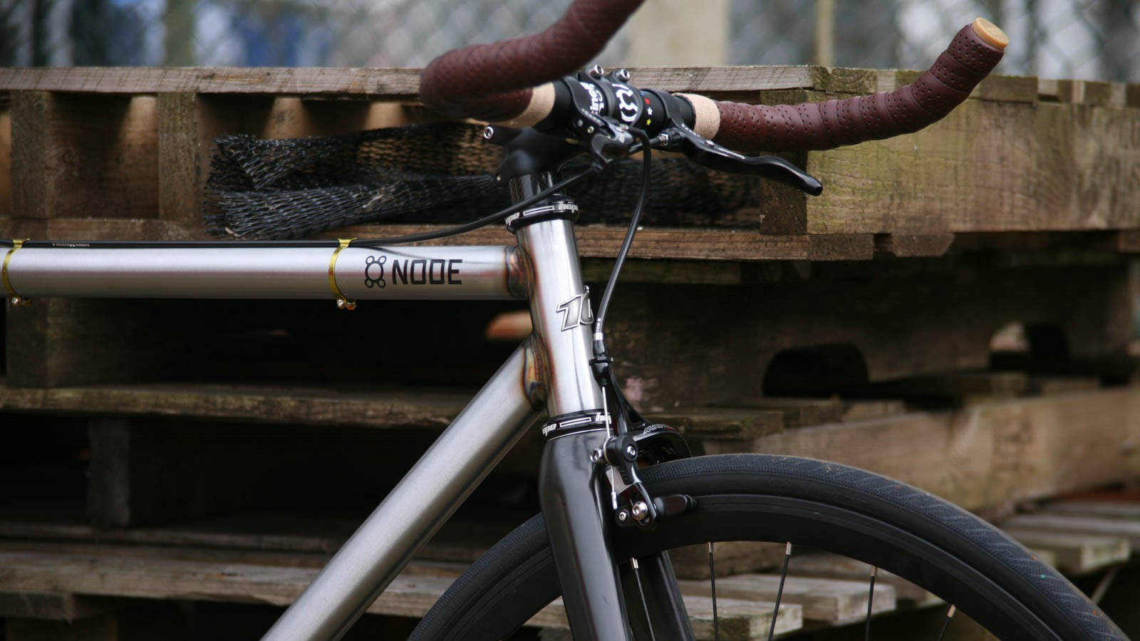 The Node is made from Reynolds 525 steel tubing and with durability, speed and simplicity in mind