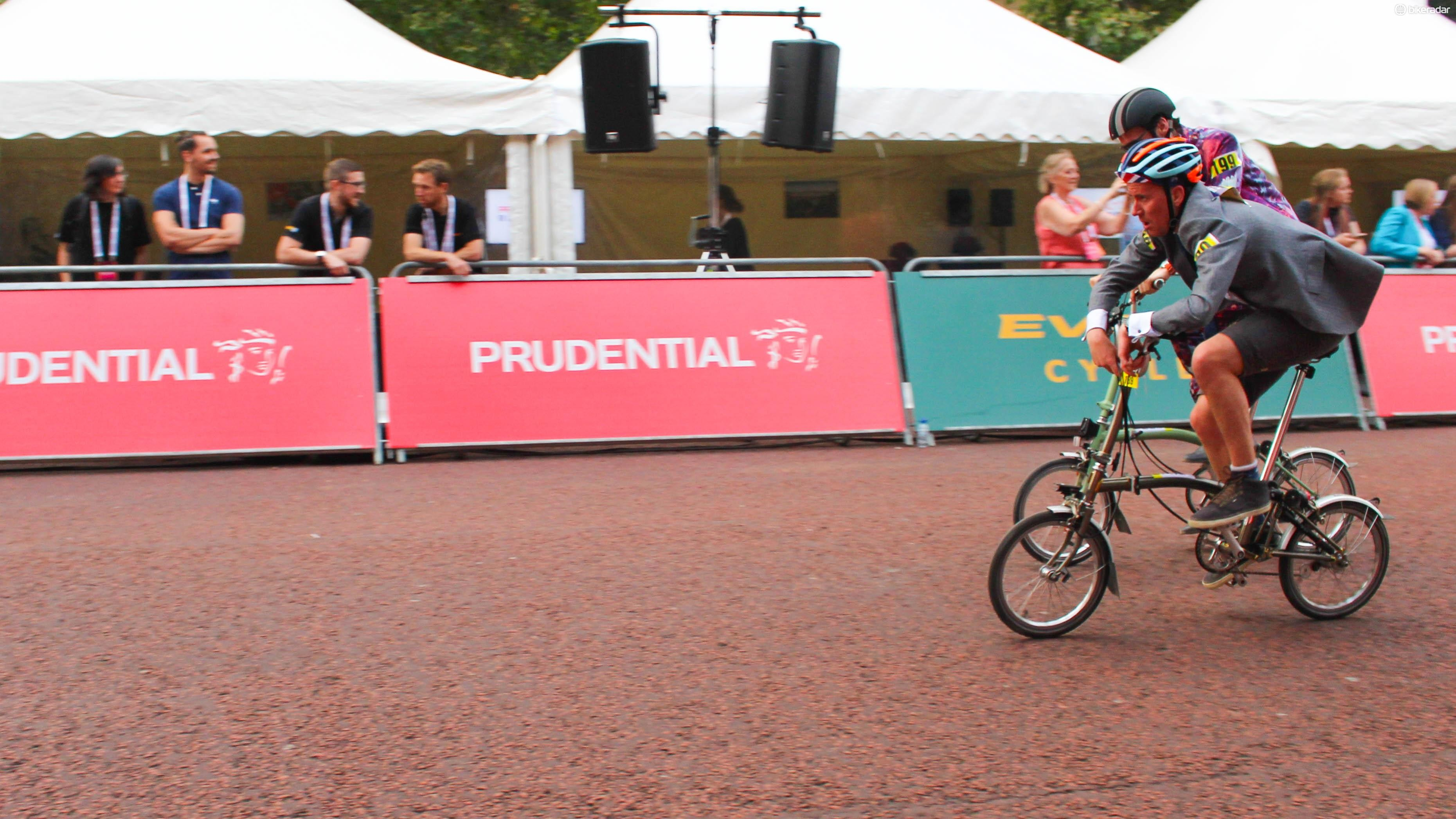 Is it possible to time trial a Brompton? It sure is