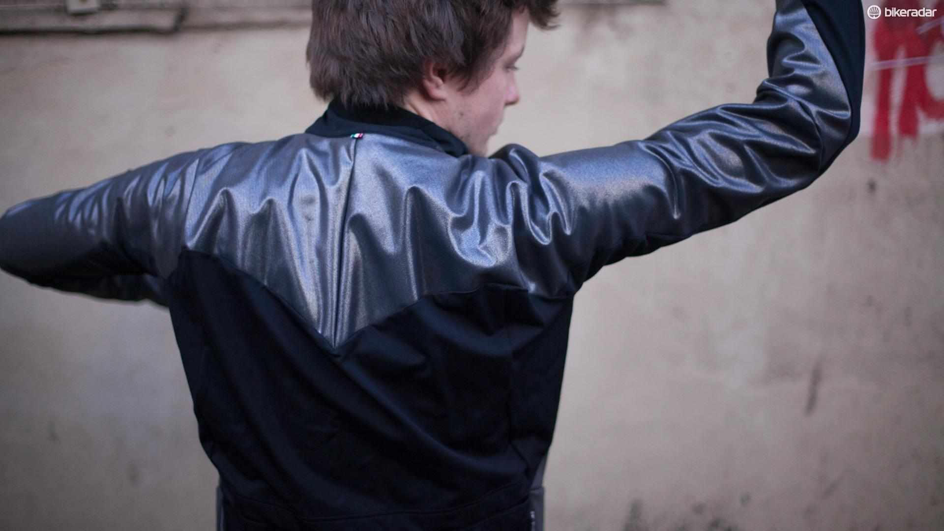 The Q36.5 Termica Jacket affords high-performance protection with distinctive looks