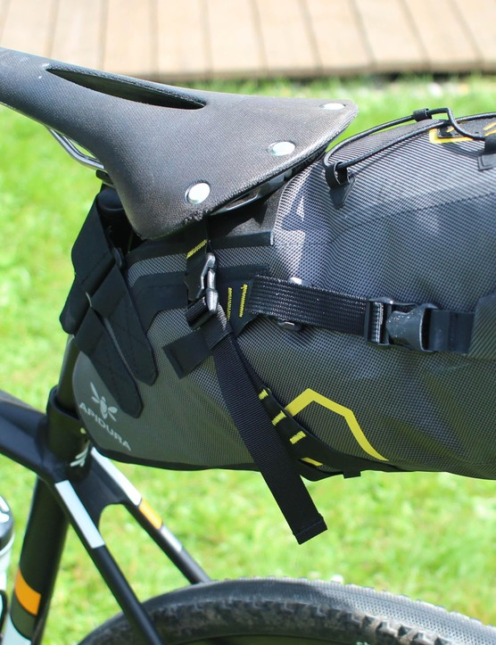 … and the rear Apidura saddle pack did a splendid job of carrying my stuff