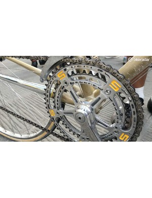 The engraved Stelbel chainset