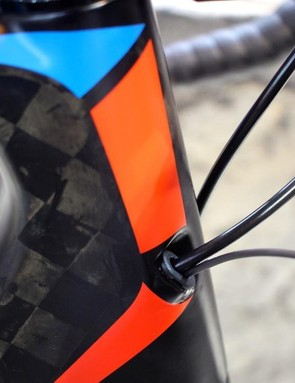 Internal cable routing is inevitable for such a race-focused aero road bike