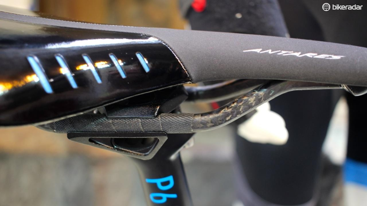 Even the Fizik Antares R3 saddle gets a dose of carbon
