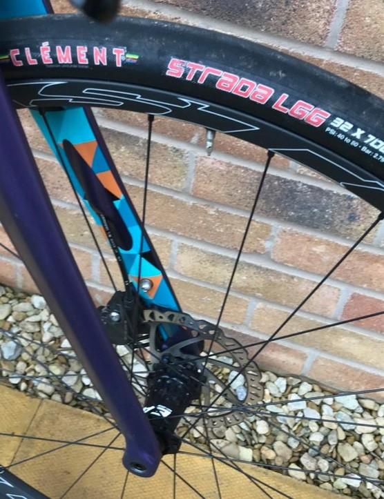 Clement's Strada 32c tyres
