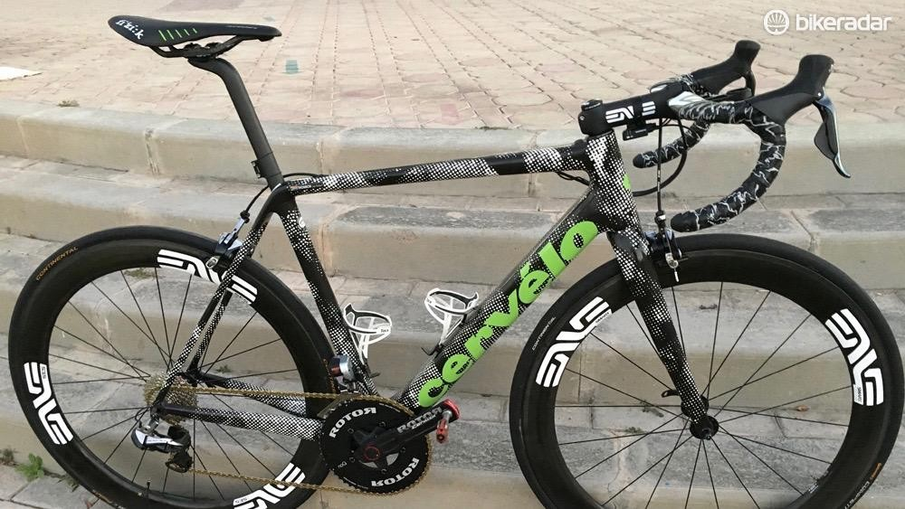 The new Cervelo R5 at the Dubai Tour. The integrated seat collar is different than the current model