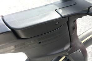 The integrated stem/fork features 'Hidden Brake Booster Technology'