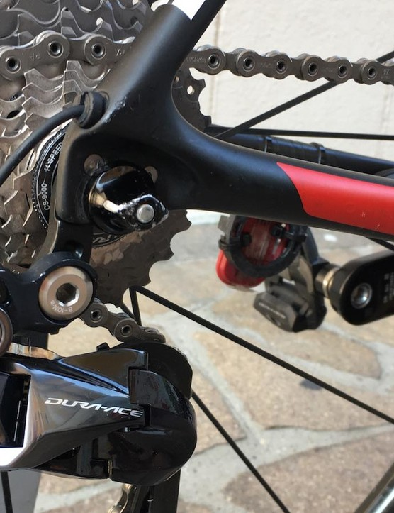 Electronic Shimano Dura-Ace 9150 derailleurs and a Dura-Ace cassette and chain combination for Dumoulin