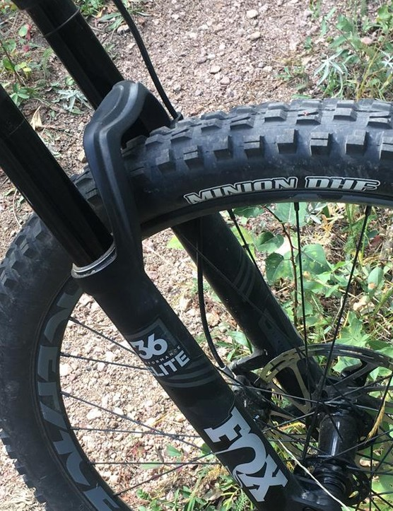 Front-end bump absorbing is handled by 150mm-travel Fox 36 Elite fork. A Fox 36 is always a welcome sight