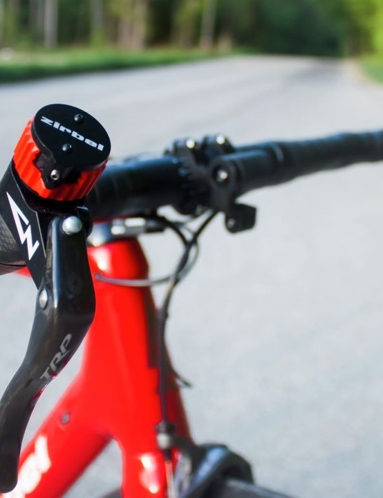 It's compatible with Shimano Di2, SRAM eTap and Campagnolo EPS
