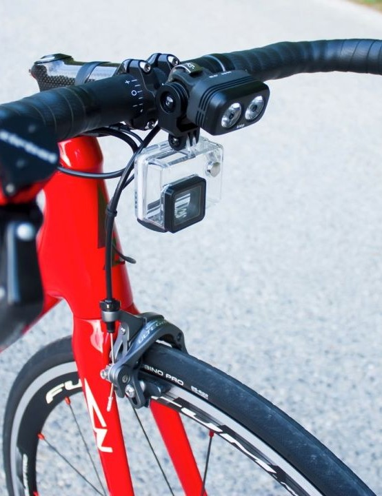 The multifunction stem can be mounted with GoPro, lights and bike computer